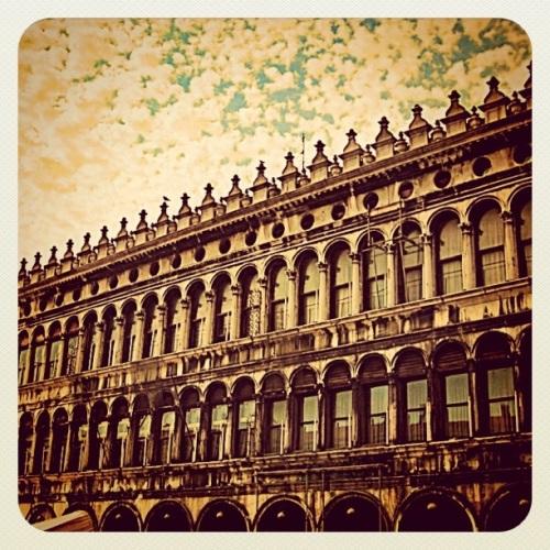 Italian Old Style Fashion House